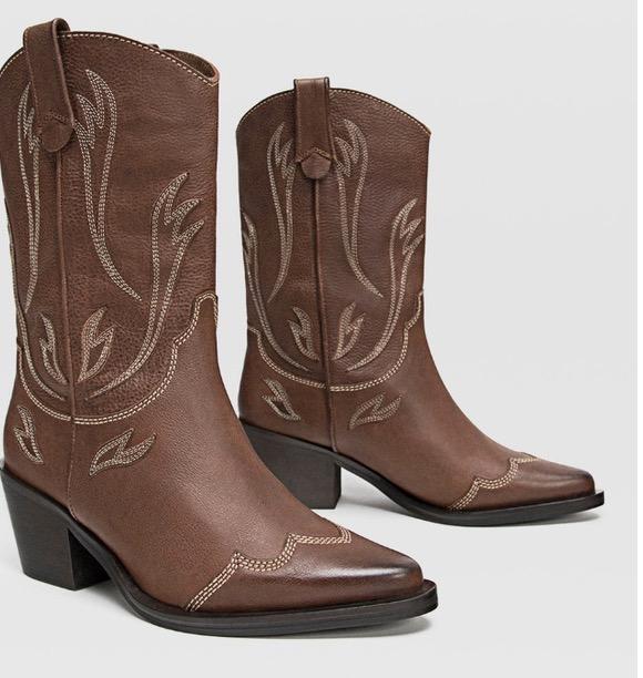 el más nuevo variedades anchas estilos frescos 3 botas cowboy de Stradivarius que arrasarán este otoño ...
